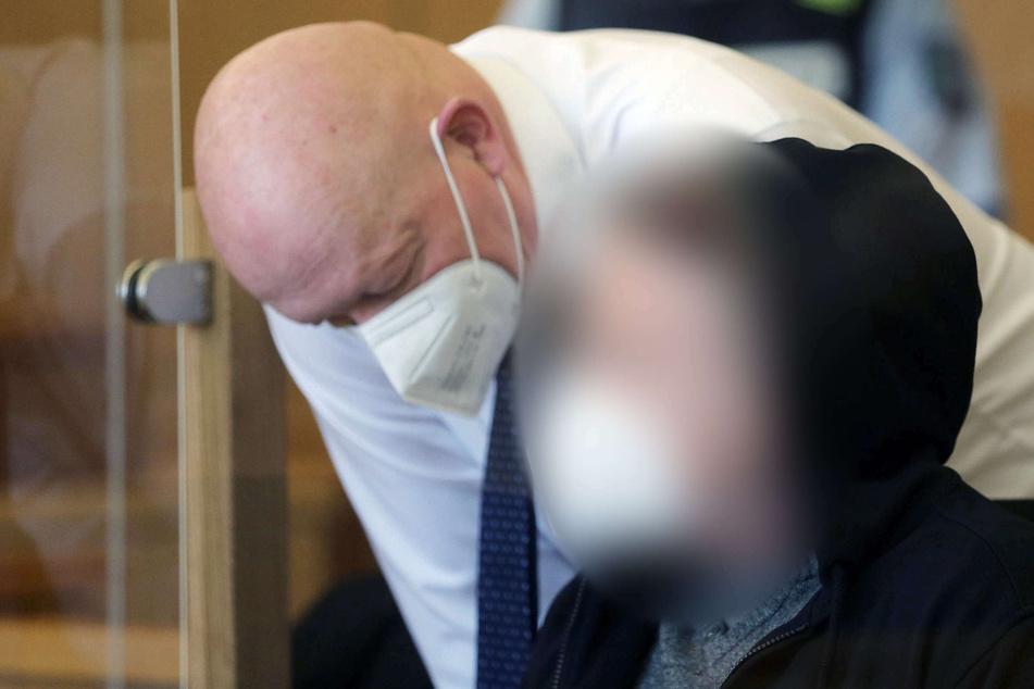 "Vor 25 Jahren kaltblütig getötet: Anklage fordert lebenslange Haft für ""Sandkuhle""-Mörder"