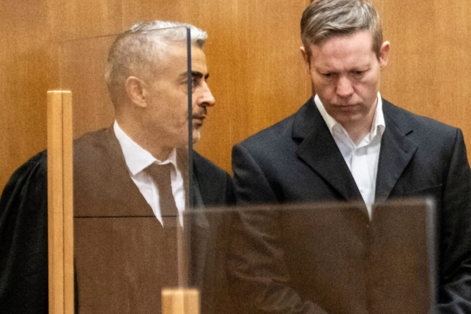 Mordfall Walter Lübcke: Messerattacke gegen Iraker Thema im Prozess