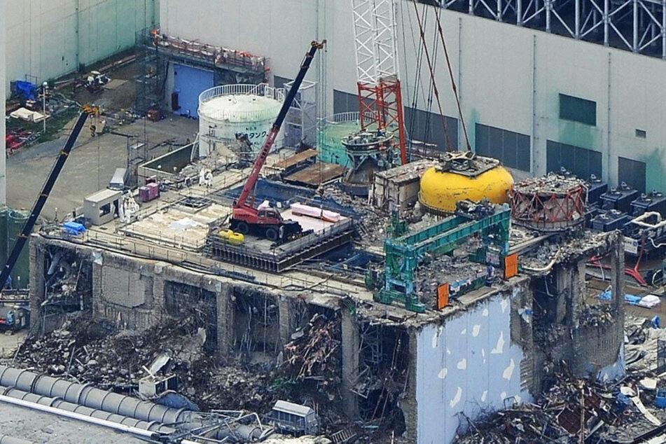 Wohl noch Jahrzehnte eine Sperrzone: das Katastrophen-Werk in Fukushima.