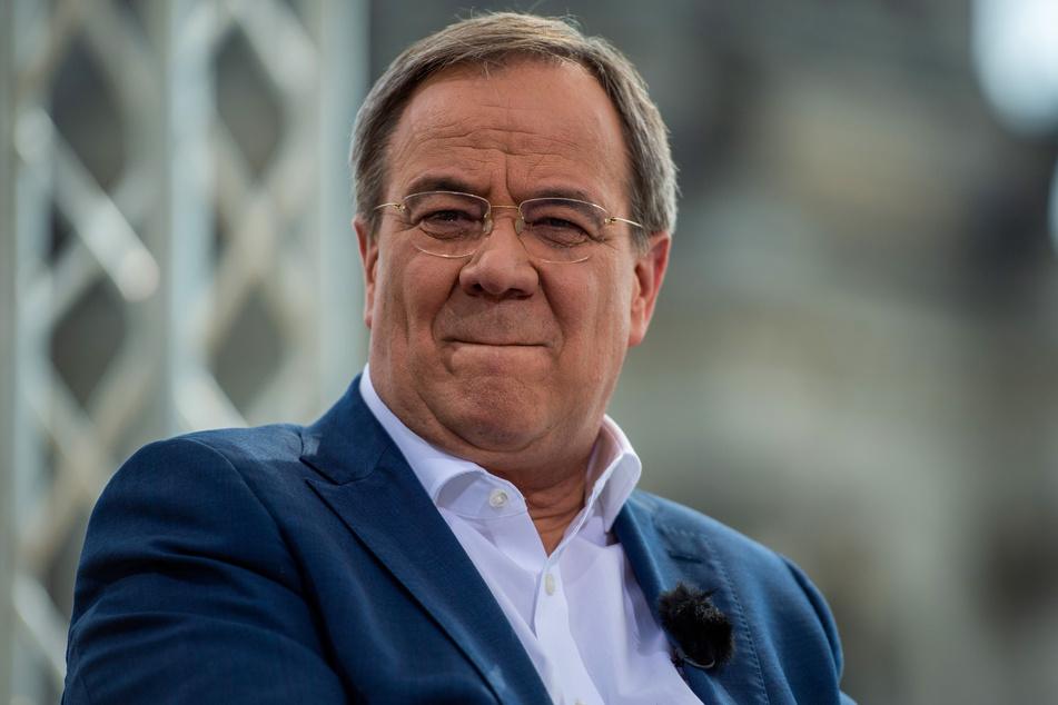 """In seinem Buch """"Die Aufsteigerrepublik. Zuwanderung als Chance"""" hat Unions-Kanzlerkandidat Armin Laschet (60, CDU) Fehler eingeräumt."""