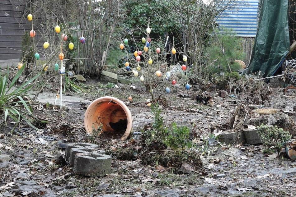 Die Flutwelle richtete auf der Uferseite Groß Särchen Schäden an einer Bungalowsiedlung an.