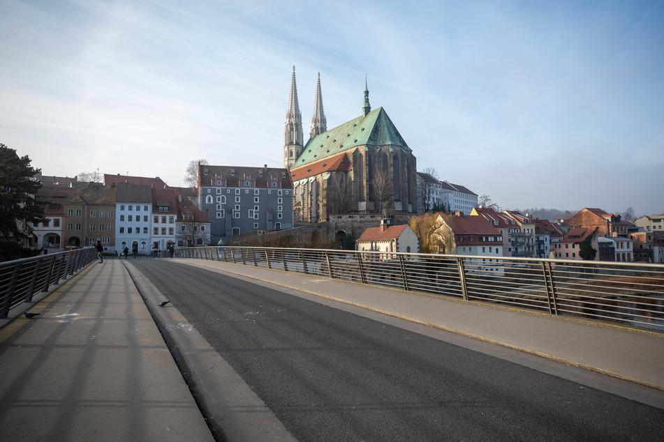 Das wohl älteste Ehepaar Sachsens wohnt in Görlitz an der Neiße - Blick auf Peterskirche und Altstadtbrücke.