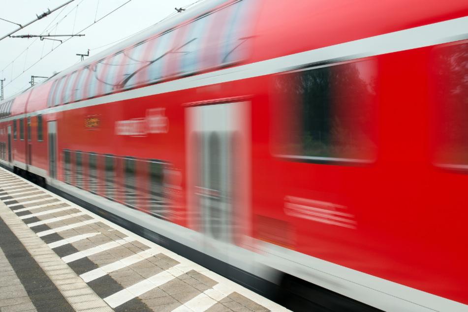 Regionalbahn erfasst 15-Jährigen in Stuttgart