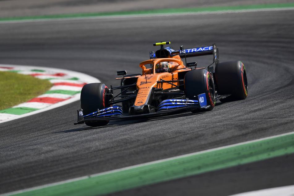 Monza: Motorsport: Formel-1-Weltmeisterschaft, Grand Prix von Italien, 2. Freies Training: Lando Norris aus Großbritannien vom Team McLaren Racing fährt über die Rennstrecke. Der Große Preis von Italien findet am 6. September 2020 statt.