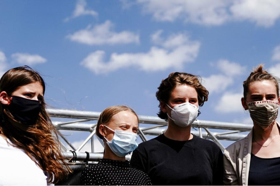 Greta Thunberg (17, 2.v.l.) mit ihren Mitstreiterinnen Luisa Neubauer (24), Anuna de Wever (19) und Adélaïde Charlier (v.l.n.r.).
