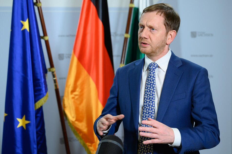 Sachsens Ministerpräsident Michael Kretschmer (CDU kündigte am Freitag harte Corona-Regeln für Sachsen an.