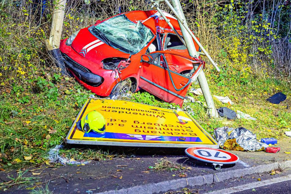 Tödlicher Unfall: 36-Jähriger stirbt noch an der Unfallstelle
