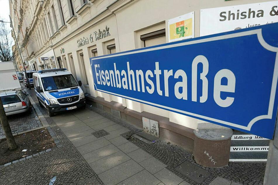 In der Eisenbahnstraße wurde übers Wochenende ein Geschäft beschmiert. (Archivbild)