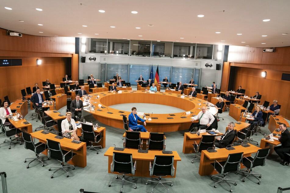 Unter Leitung von Bundeskanzlerin Angela Merkel (CDU) tagt im Internationalen Konferenzsaal des Bundeskanzleramtes das Bundeskabinett.