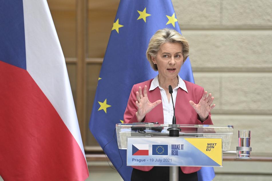 Ursula von der Leyen (62), Präsidentin der Europäischen Kommission, verkündete, dass EU-Länder an Entwicklungs- und Schwellenländer bis Ende des Jahres mindestens 200 Millionen Corona-Impfdosen spenden wollen.