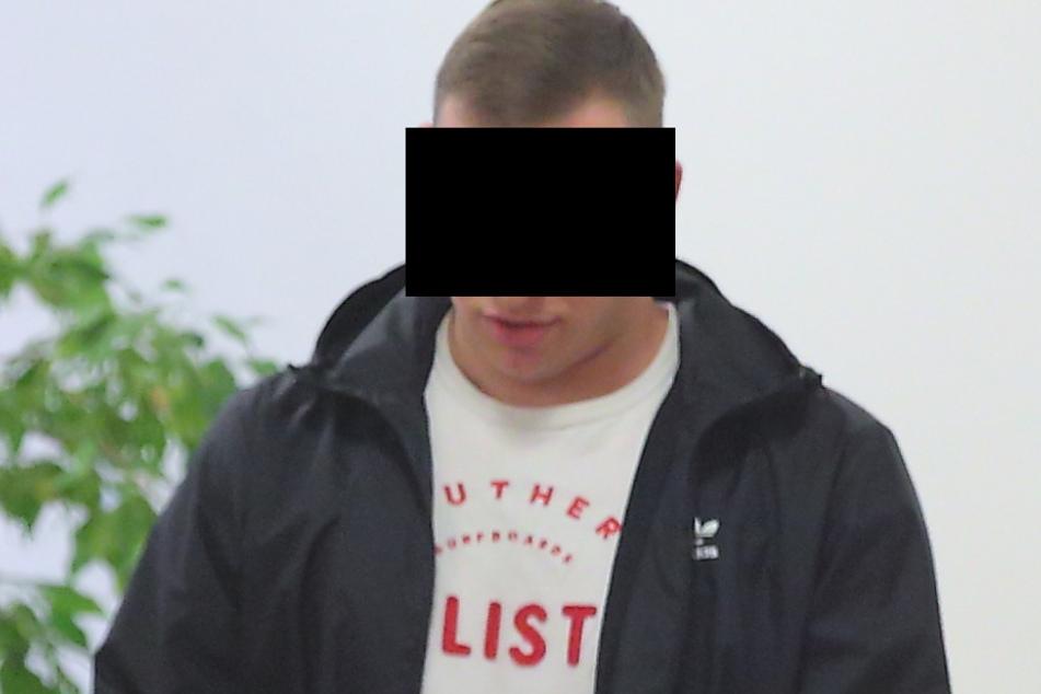Daniel H. (24) wollte in Heidenau keine Steinewerfer gesehen haben.
