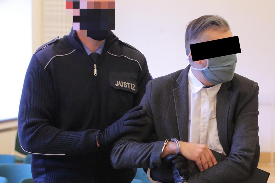 Kinderschänder vor Gericht: Er missbrauchte sogar die Babys seiner Cousinen