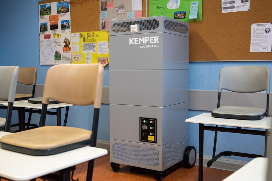 Mobile Luftreiniger sollen in Schulen testweise zum Einsatz kommen.