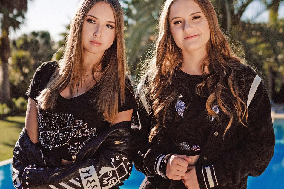 Shania (16) und Davina Geiss (17).