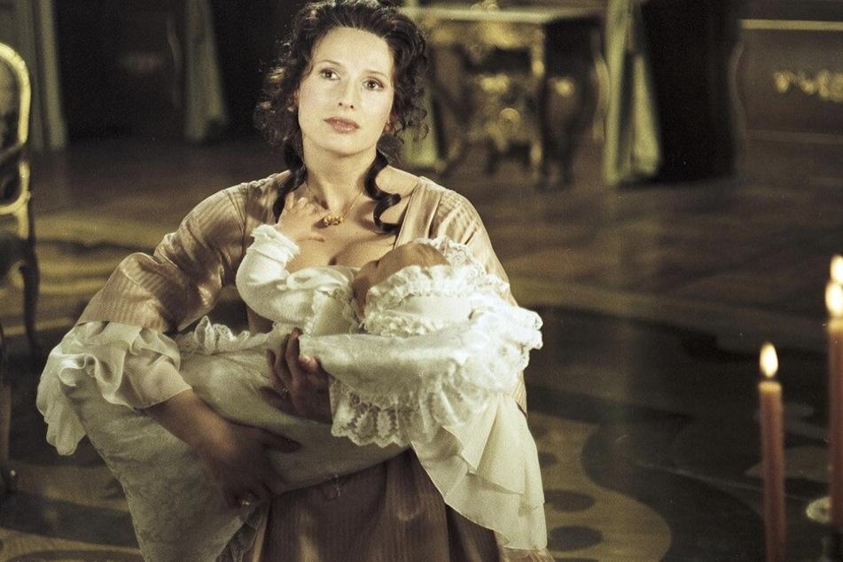 Die Verbindung Augusts des Starken mit der Gräfin Cosel (Marzena Trybala) ist eine der schillernden, legendenumwobenen Liebesgeschichten der Barockzeit.