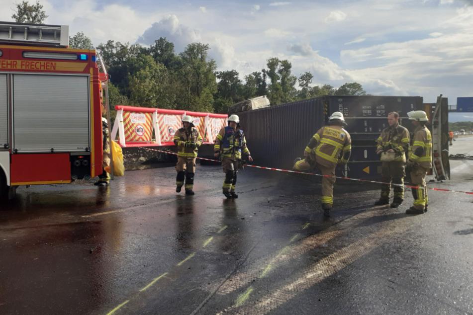 Fahrer verbrennt in Laster auf A4: Schwerer Verdacht steht im Raum