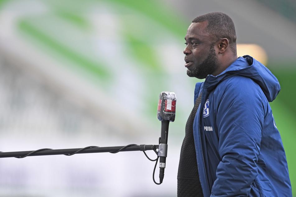 Das Schalker Urgestein Gerald Asamoah (42) kämpfte nach dem Schlusspfiff mit den Tränen.
