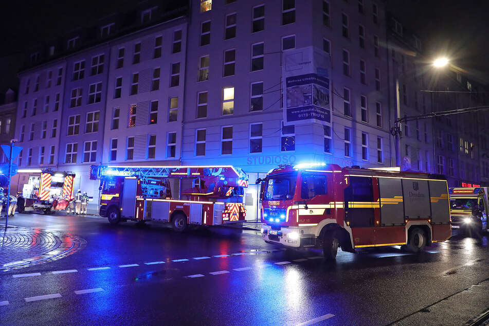 Über eine Handvoll Einsatzfahrzeuge rückten am späten Freitagabend aus.