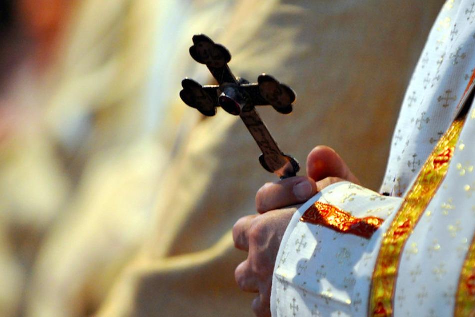 """""""Fall erschüttert zutiefst"""": Erneut Missbrauchs-Verdacht gegen katholischen Pfarrer"""