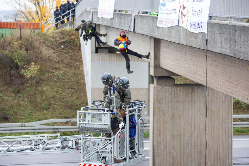 Nach Abseilaktion an Autobahnen von Umweltaktivisten: Das sind die Konsequenzen