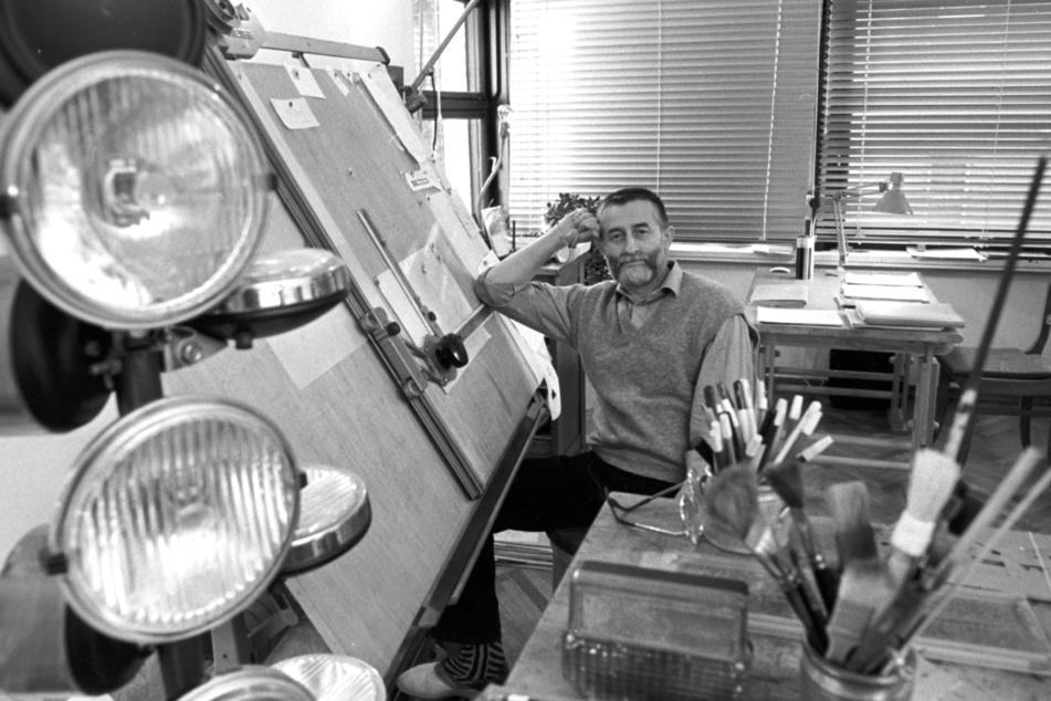 Der Kult-Designer am Zeichentisch in den 80er-Jahren.