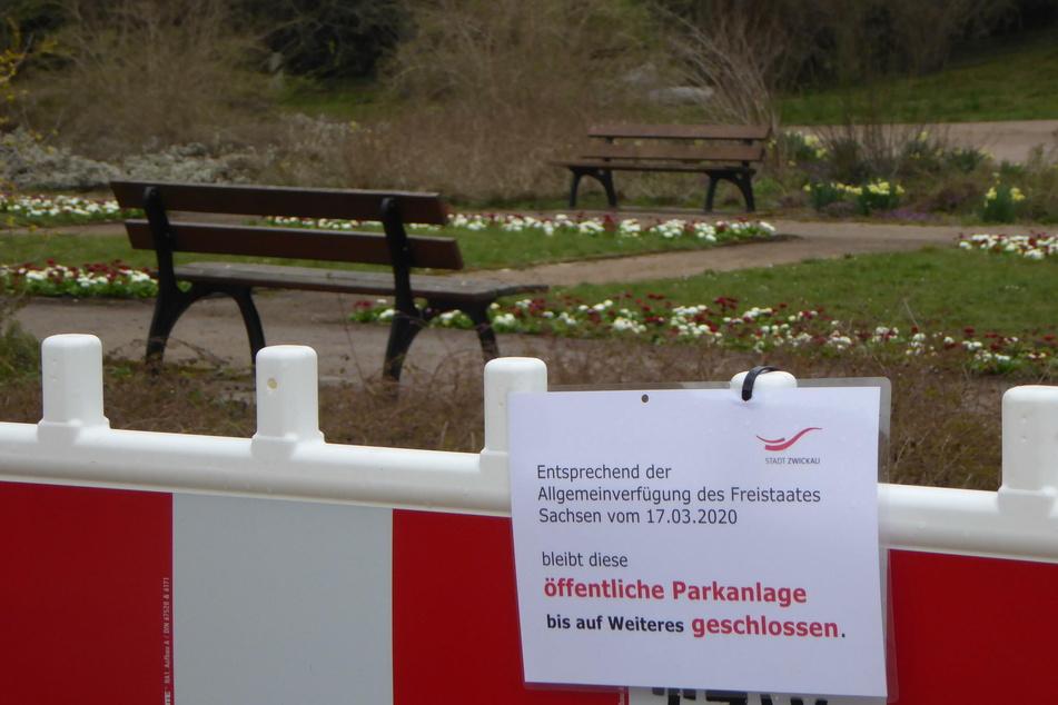 Das Garten- und Friedhofsamt informiert am Freitag, dass die bisher gesperrten Parkanlagen wieder geöffnet werden.