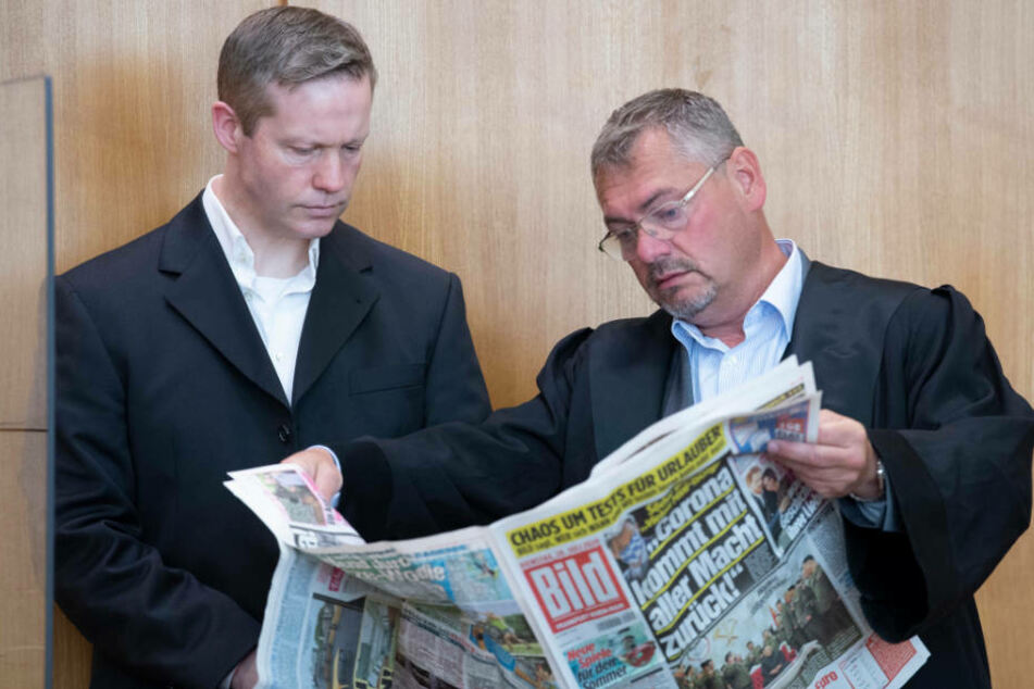 Gegen Ernsts ehemaligen Verteidiger Frank Hannig (r.) wird wegen des Verdachts der Anstiftung zur falschen Verdächtigung ermittelt.