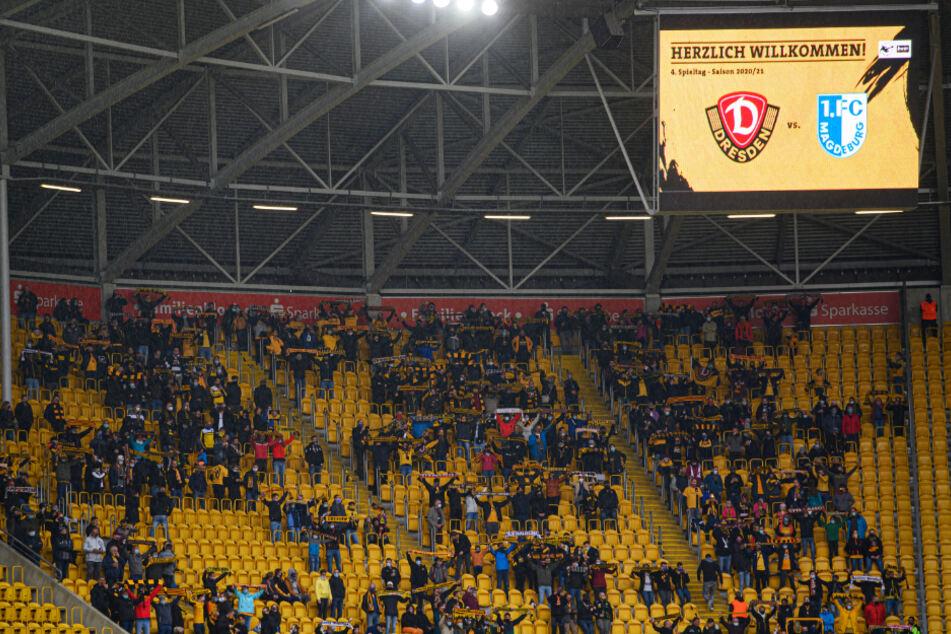 Nur 999 Fans durften bei Dynamos Heimspiel gegen den 1. FC Magdeburg ins Rudolf-Harbig-Stadion.