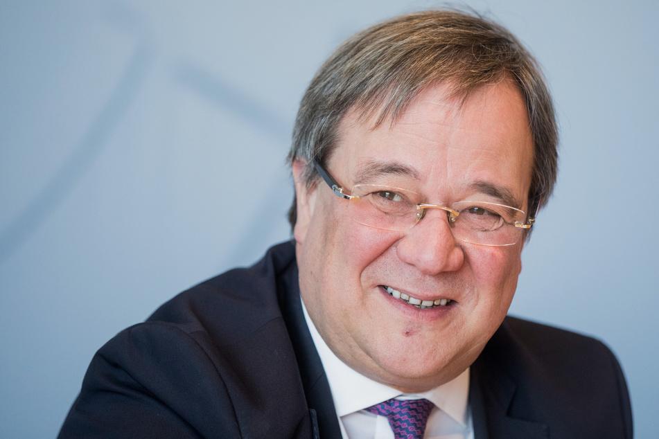 Armin Laschet (CDU), lobt das Konjunkturpaket.