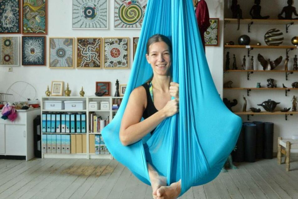 Um Yoga zu machen, lege ich mir Fesseln an!