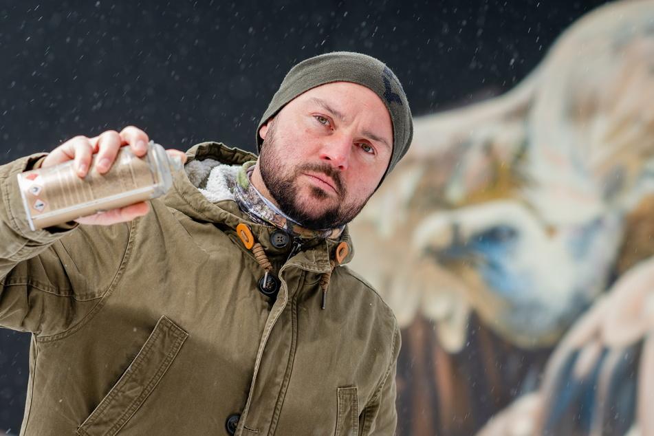 Graffiti-Künstler Nico Roth (36) hat wegen Corona große finanzielle Sorgen.