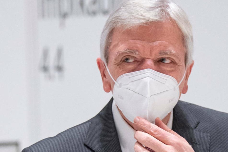 Am Montag besuchte Hessens Ministerpräsident Volker Bouffier das künftige Corona-Impfzentrum im Rhein-Main-Congress-Centrum (RMCC).