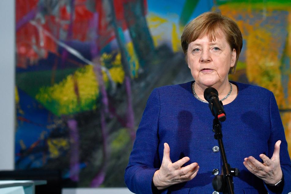 Bundeskanzlerin Angela Merkel (65, CDU).