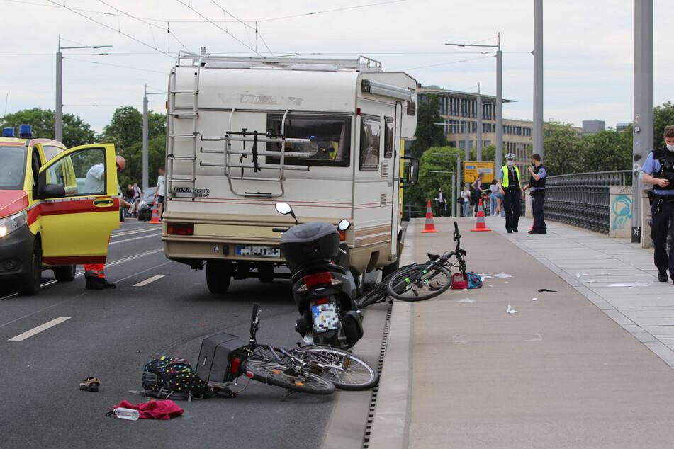 Der Fahrer eines Wohnwagens konnte nicht mehr bremsen oder ausweichen und erwischte das Mädchen auf der Albertbrücke.