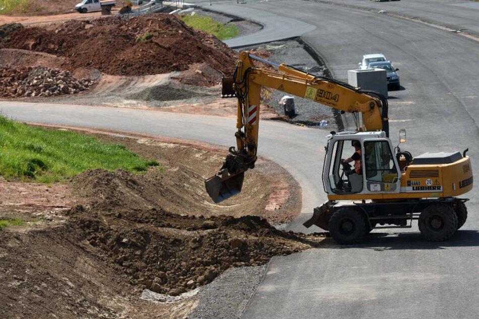 Bereits seit 2010 finden die Bauarbeiten im Schwalm-Eder-Kreis statt, durch die die A49 bis zu A5 verlängert werden soll (Archivbild).