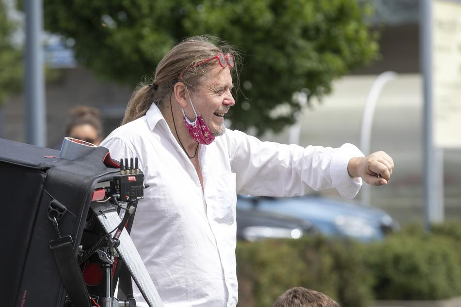 Regisseur Thomas Frick (57) drehte mit den Dresdnern am Elbepark.