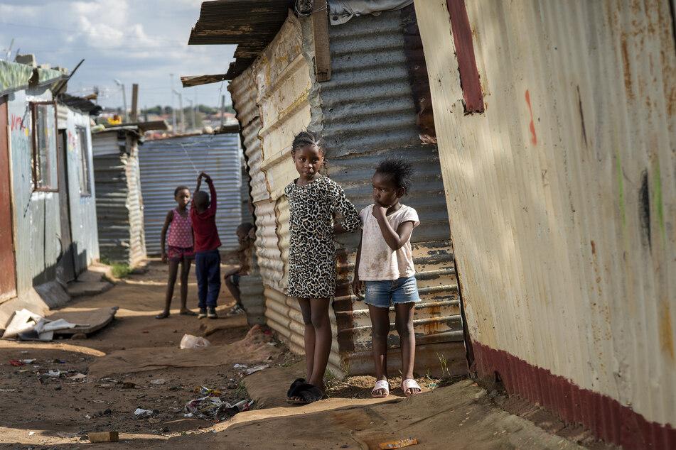 Die Zahl der in Armut lebenden Kinder ist auf circa 1,2 Milliarden angewachsen.