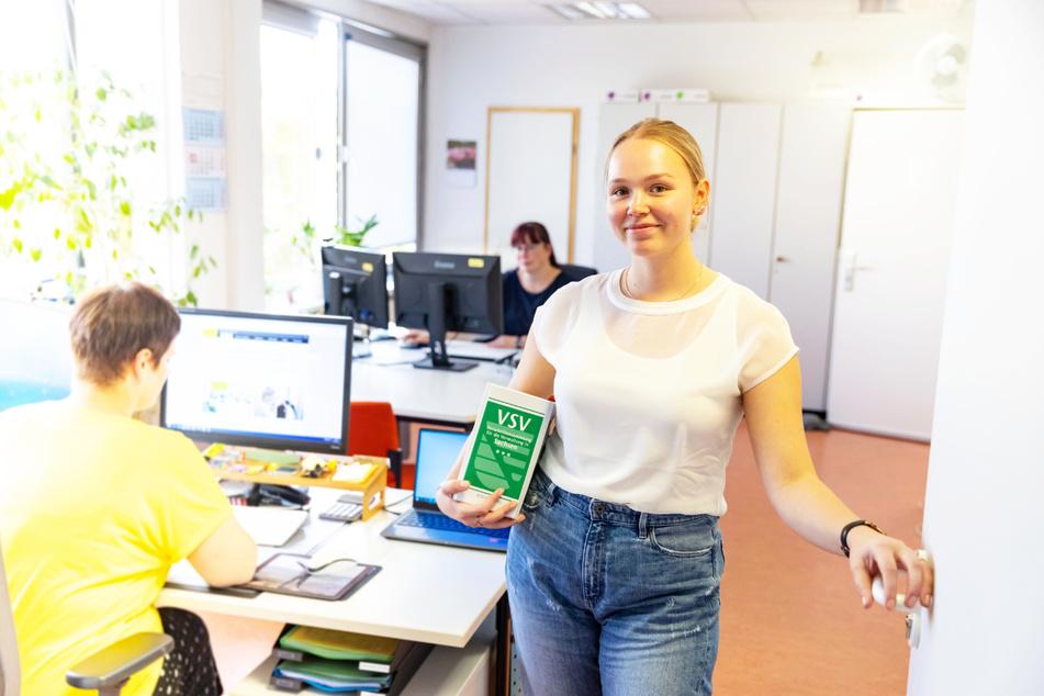 Die angehende Verwaltungsfachangestellte Anne Schachinger (20) ist eine von insgesamt 270 Azubis und Studenten im Rathaus.