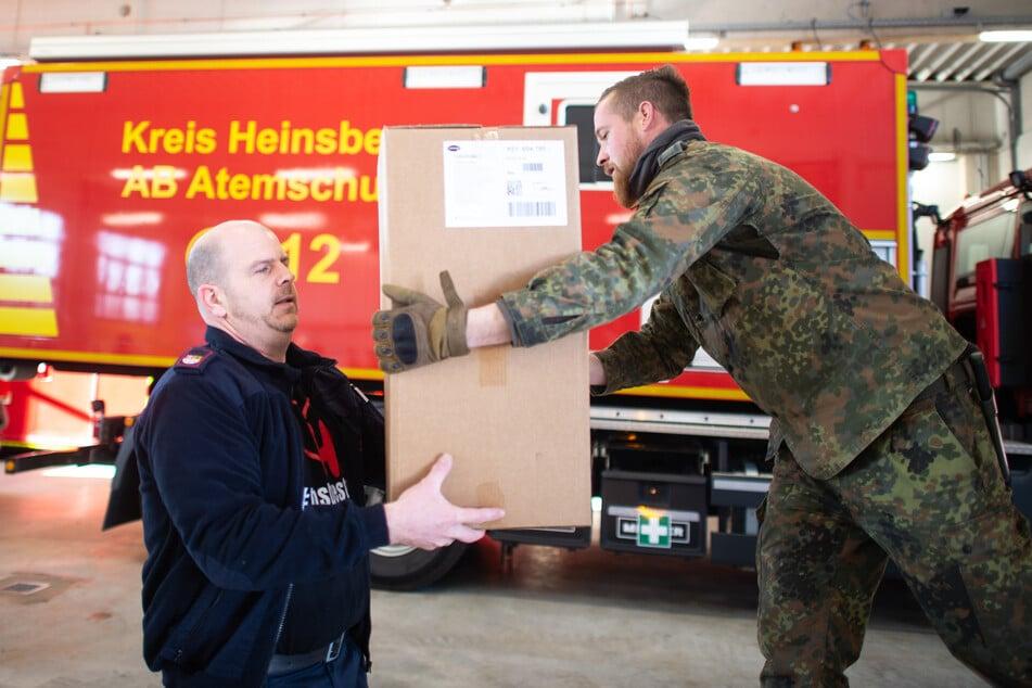Die Bundeswehr hat nach einem Hilfegesuch aus Heinsberg erstes Material geliefert.