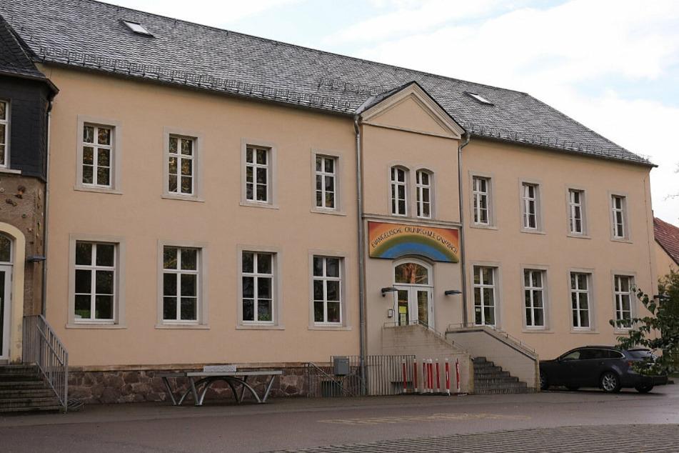 An der Evangelischen Grundschule Grumbach wurde ein Corona-Fall einer Lehrerin bekannt.