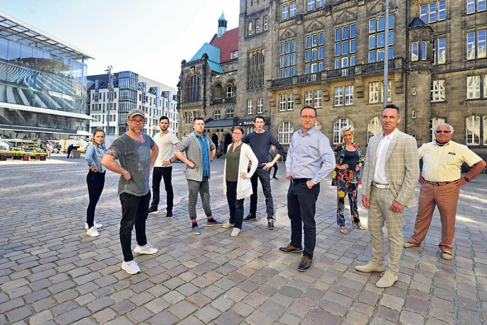 Tanzschulen-Protest vorm Chemnitzer Rathaus: Wir wollen zurück aufs Parkett!