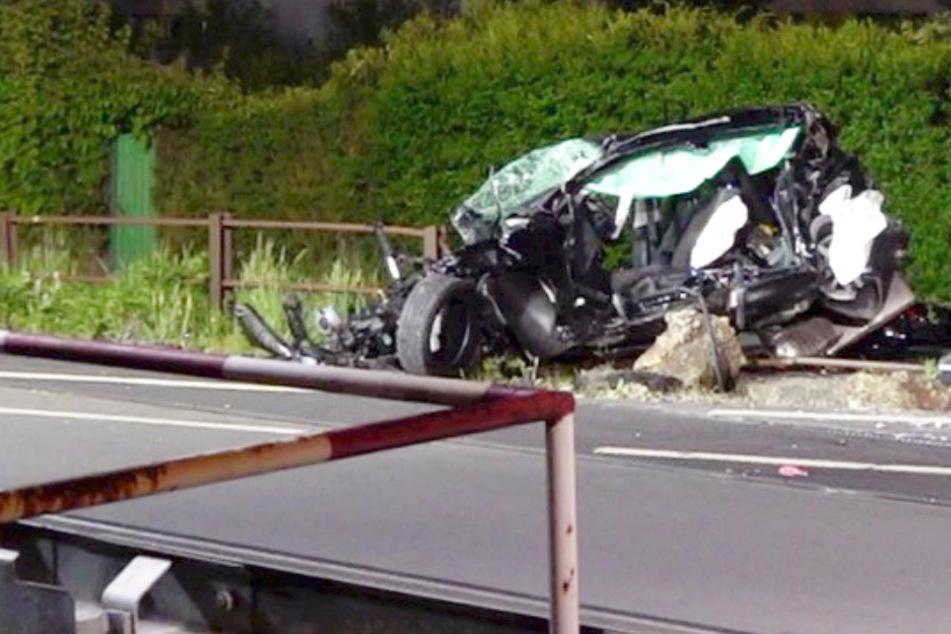 leichenhalle fotos toten frauen im auto crash