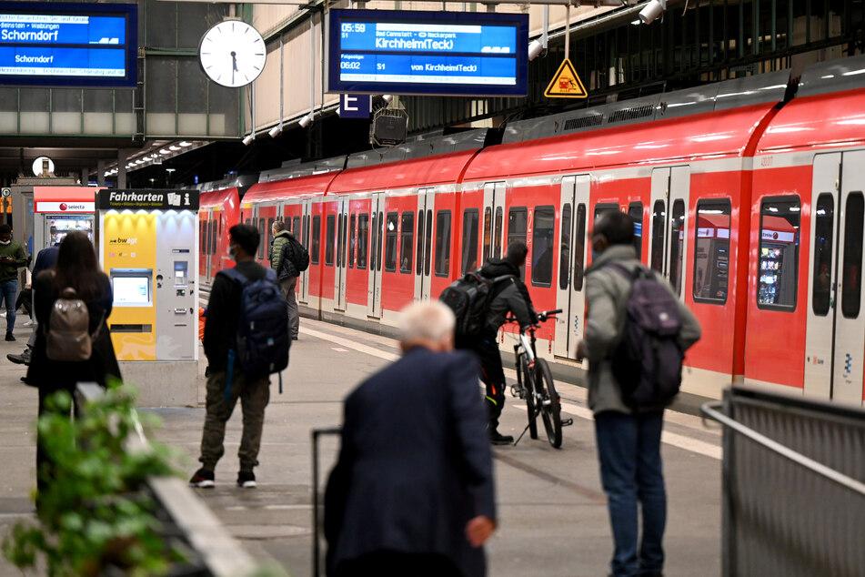Der bundesweite Streik der Deutschen Lokomotivführer (GDL) im Personenverkehr hat am Donnerstagmorgen um 2 Uhr begonnen.