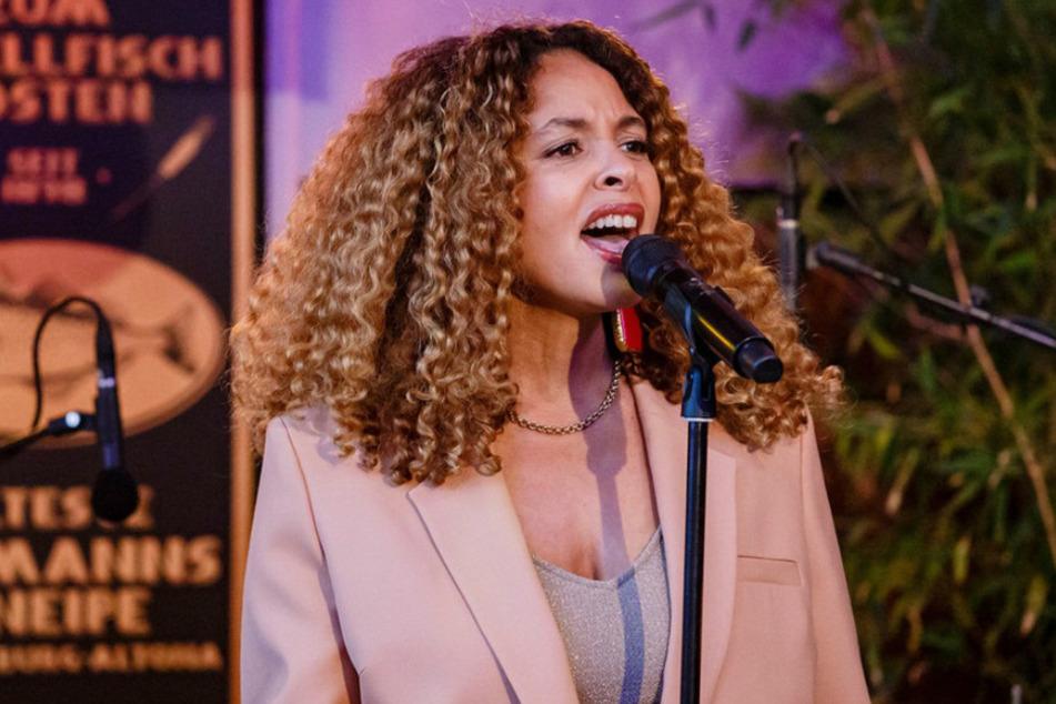 Die Sängerin Joy Denalane gilt seit 20 Jahren zu den wichtigsten deutschen Soul-Musikerinnen.