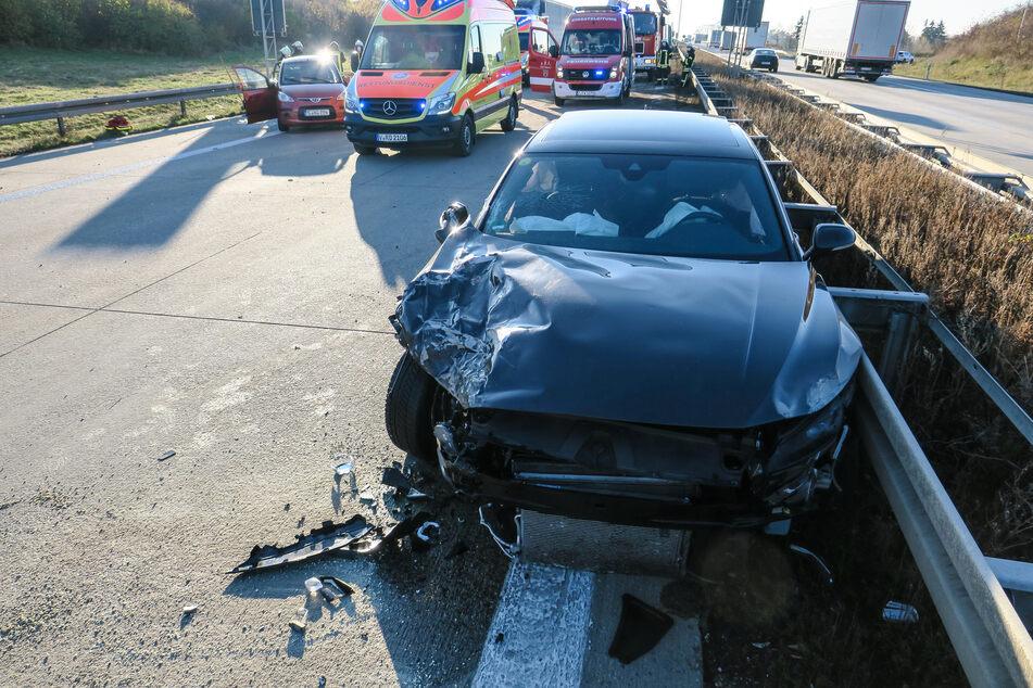 Die Hyundai-Fahrerin soll das Auto beim Spurwechsel übersehen haben.