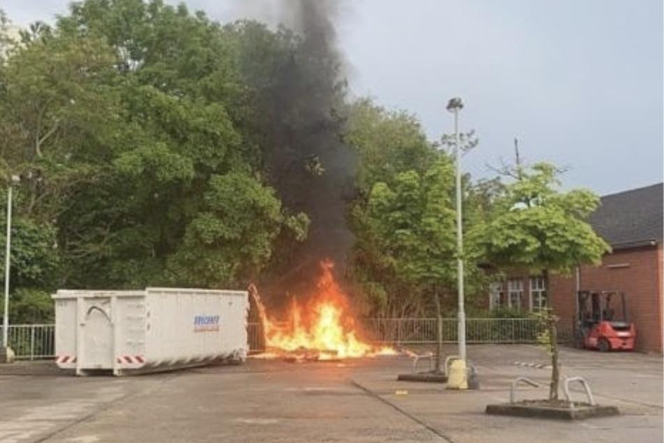 Am 1. Juni brannten gleich drei Toilettenhäuschen komplett nieder.