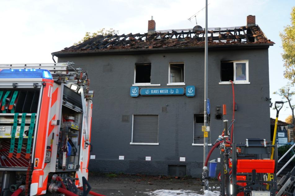 Das Gebäude wurde durch das Feuer komplett zerstört (Symbolfoto).