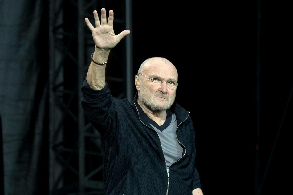 Phil Collins (69) says goodbye to his ex-wife.