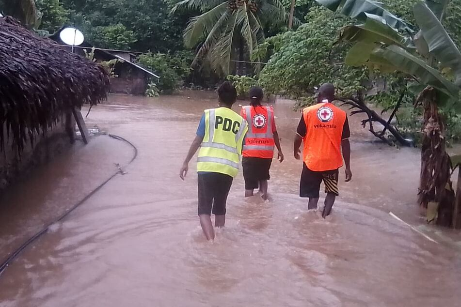 """Zyklon """"Harold"""" zerstört Insel: Kaputte Häuser und heftige Überschwemmungen"""