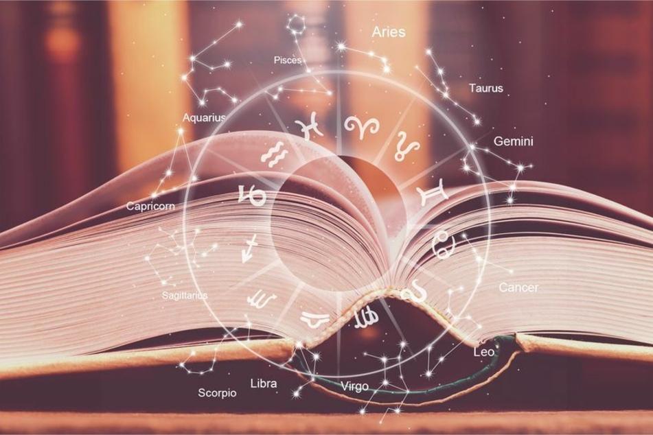 Täglich erwarten Dich im kostenlosen Tageshoroskop die Botschaften der Sterne (123RF/olegdudko).